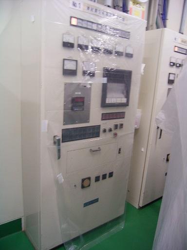 中古凍結乾燥機制御盤
